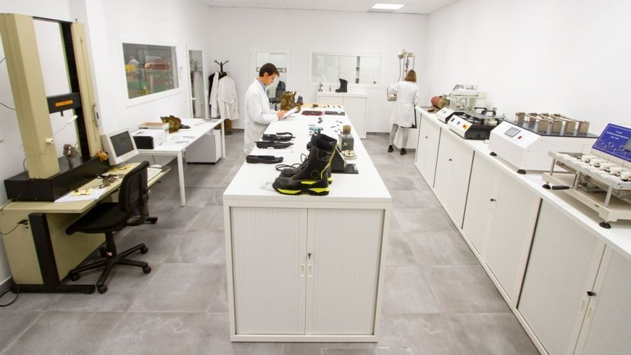 Fal Seguridad expands and renews its own laboratory